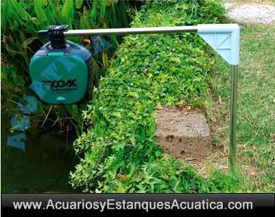 alimentador-automatico-estanque-acuario-kois-pellets-pila-jardin-prodac-magic-food-instalado.jpg